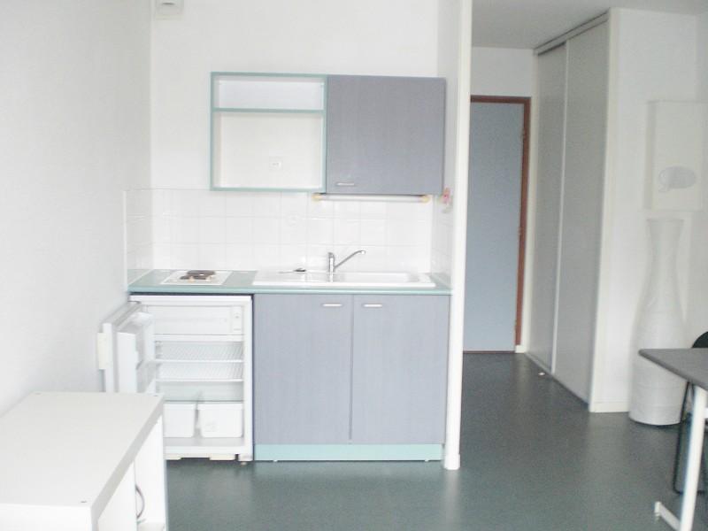 annonce location appartement lille 59000 18 m 486 992731046255. Black Bedroom Furniture Sets. Home Design Ideas